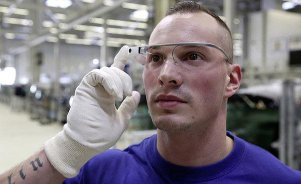 大众员工的「新玩具」:用3D眼镜解放双手