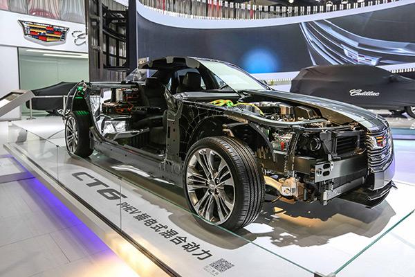 凯迪拉克CT6-PHEV插电式混合动力型切割车.jpg