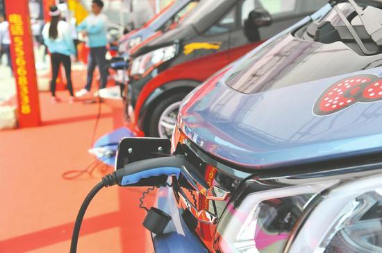 上半年,车企和地方新能源汽车推广量缘何不及预期?