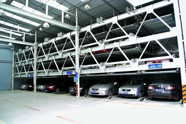 四层立体停车库