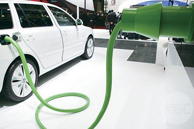 2016年电动车和插电式混合动力车销量预计翻番
