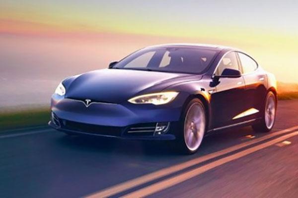 马斯克暗示自动驾驶还在beta阶段,待行驶超过10亿英里才算结束