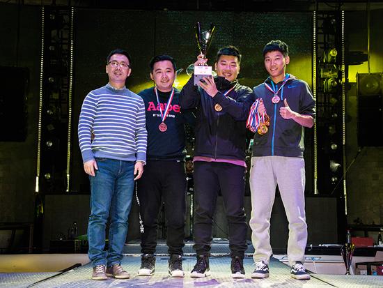 汽车媒体足球大联盟2015颁奖盛典绽放
