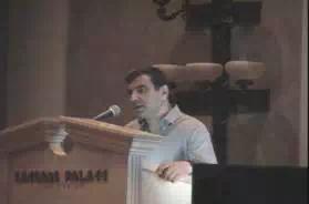 演讲中的Amnon Shashua