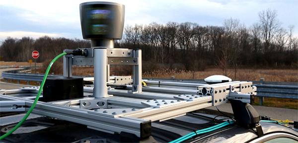 目前很多自动驾驶汽车都配置了激光雷达LIDAR