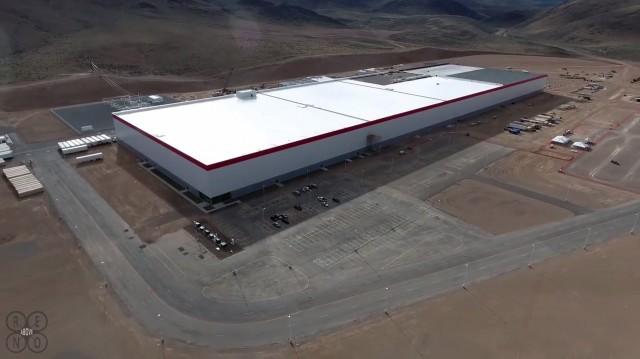 无人机航拍:特斯拉内华达州工厂