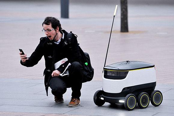 迷你自动驾驶小货车将在公共道路测试送货