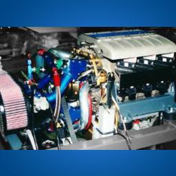 左边为1996年第一次运行成功的发动机,右边为1998年在奥兰克进行测试的发动机